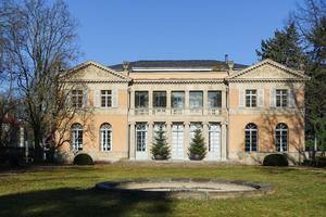 Stock de fotos gratis villa hartenek ayla87 march 08 2015 1 - Persianas palacio ...