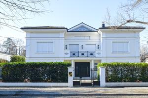 Stock de fotos gratis casa blanca ayla87 march 13 2015 5 - Persianas palacio ...
