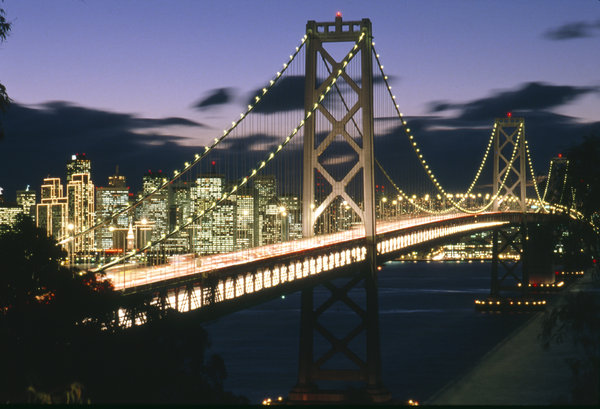 Golden Gate at night: Famous bridge in San Francisco