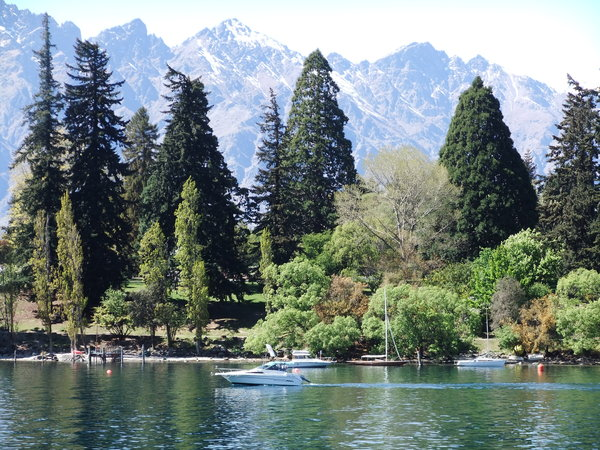 Lake Wakatipu and the Remarkab: Queenstown NZ