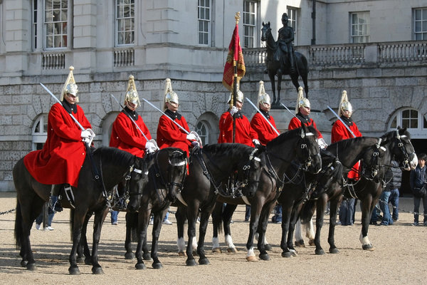 Horse guards: The ceremony of the changing of the guards at Horse Guards Parade, London, England.