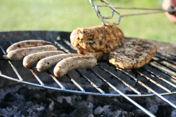 Barbecue: Grilled steaks and sausages