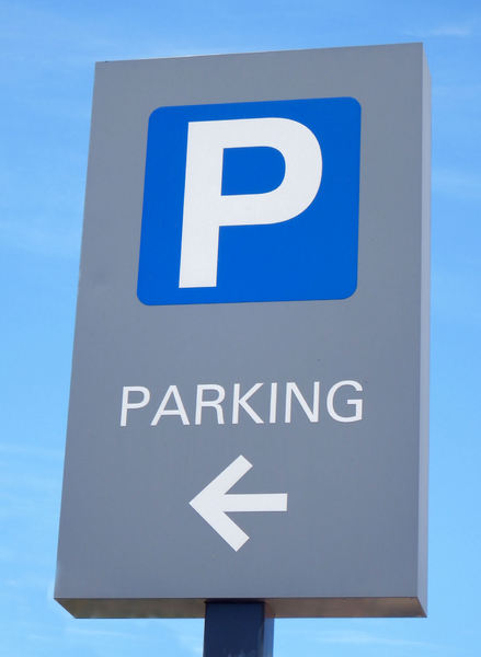 parking indicator1: sign indicating carpark parking bays available