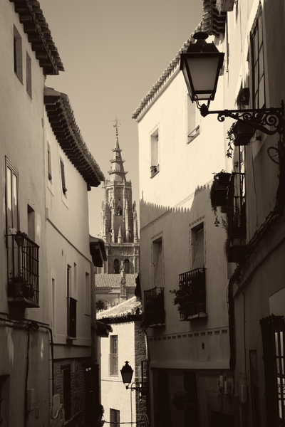Spanish alley (Sepia)