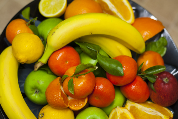 Fresh fruits: Plate of fresh mixed fruits