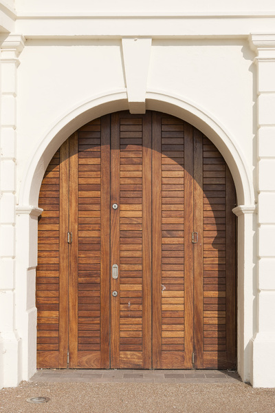 Arched folding door
