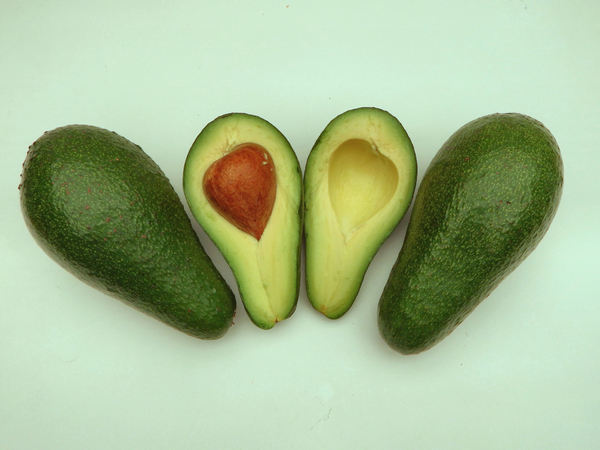 avocada varieties6: ripe Fuerte-variety avocados colours & textures - cross section, seed and seed impression