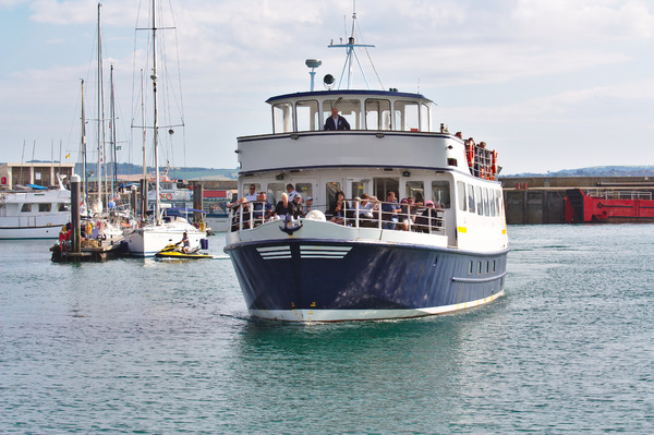 Passenger ferry: Passenger ferry/day trip boat docking in Torquay harbour
