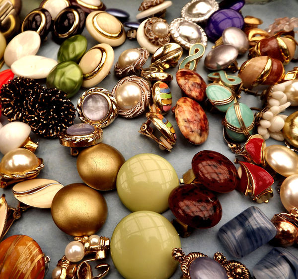 vintage earrings2: vintage clip-on and screw-on earrings