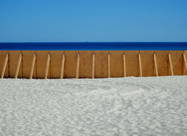 beach barrier1