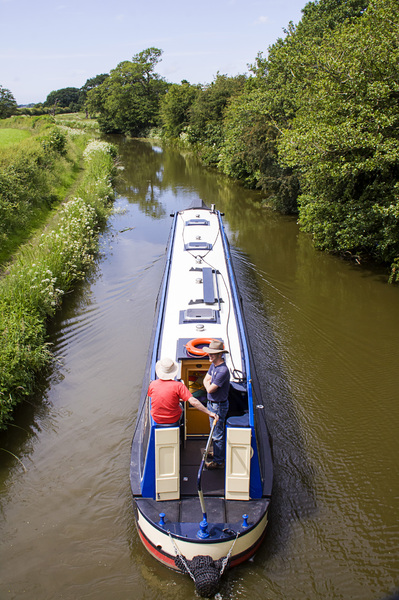 Narrow-boat Cruising