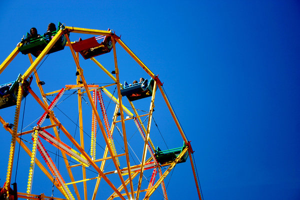 Ferris Wheel: Nice bold colours with lots of space for text :)
