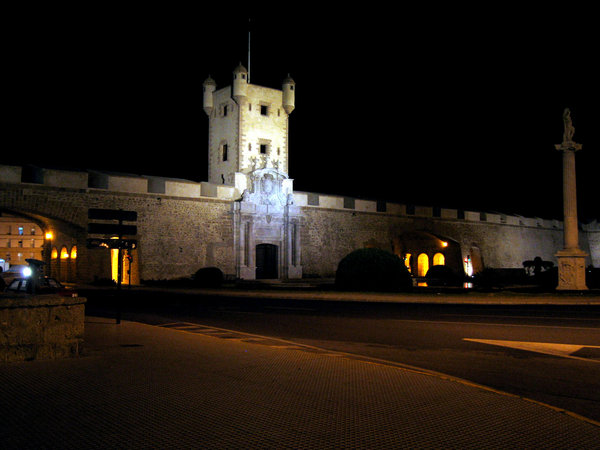 Cadiz gate by night