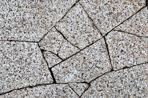 Granite paving stone 3: Granite paving stones, with and without cracks.
