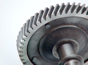 Motor parts 5: Camshafts, gears and other motor parts
