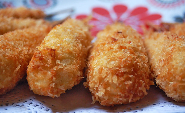 Fried shrimp sticks 1: Sticks of deep fried breaded shrimp