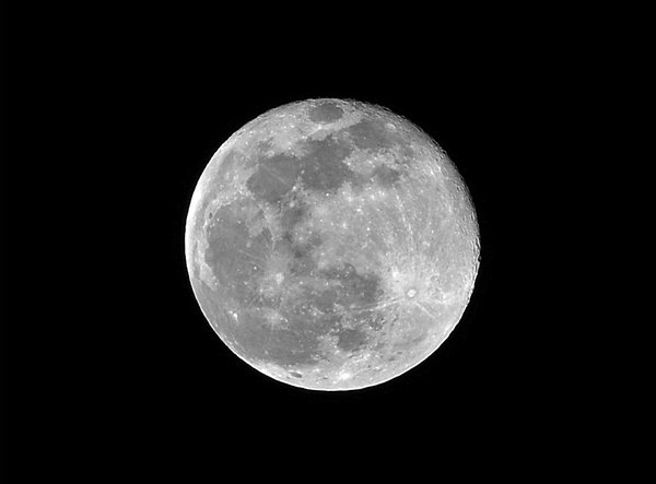 Big Full Moon: Shot of Full Moon.