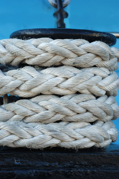 Rope on the old sail board 2: Ply of lines