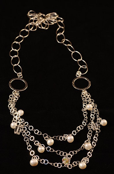 Necklace - oxidated silver 3: Necklace with crystal and pearls