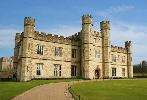 Leeds Castle: Set in 500 acres of beautiful parkland, a visit to Leeds Castle in the garden of England is full of discovery. Open all year round, its special blend of heritage and history, glorious gardens, attractions, programme of events, and licensed restaurant make