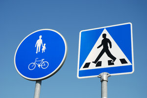 Traffic Sign 10: Part of Traffic Sign Series consisting of 29 traffic signs captured in Sweden, all with a blue sky or partly cloudy background.Check out all my traffic signs:http://www.sxc.hu/browse. ..