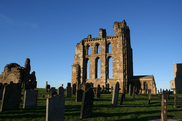 Tynemouth Priory: Old ruins of tynemouth priory at the mouth of the river tyne, north east england