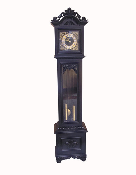 Cabinet clock: An old wooden clock.