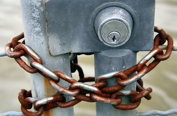 Lock & Chain: rusted chain