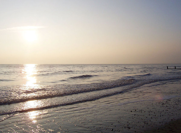 Camber Sands, East Sussex 2: Astonishing sun and sea shots from Camber Sands, East Sussex