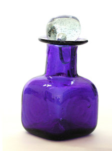 blowed glass bottle: A blowed glass craftmanship from Tlaquepaque-Guadalajara Mexico.