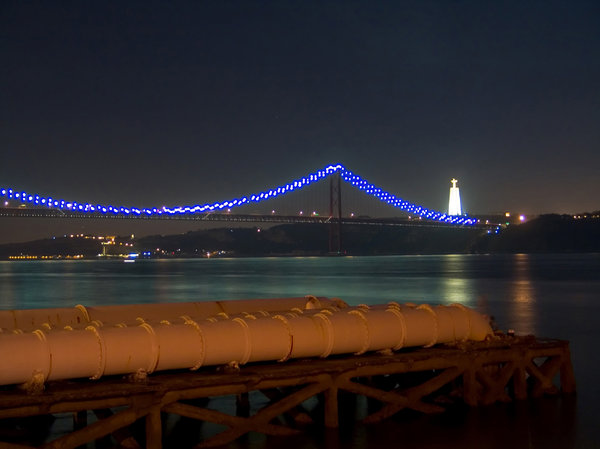Lisbon at night 2: ...