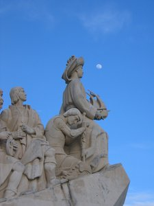 Discoveries Monument and Moon