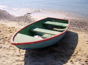 Boat on the beach: Torre Pali port