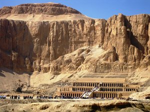 temple of Hatshepsut 1: The mortuary temple of Queen Hatshepsut, Egypt