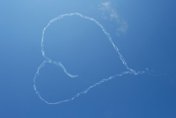 Air show heart loop: Air show heart loop (made by airplane, NO Photoshop)