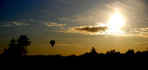 Hot air baloon panorama: Baloon travelling