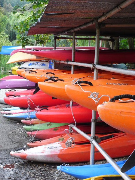 Canoes: Storage of canoes