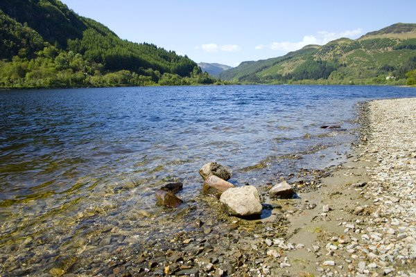 loch lubnig: the shores of a scottish loch