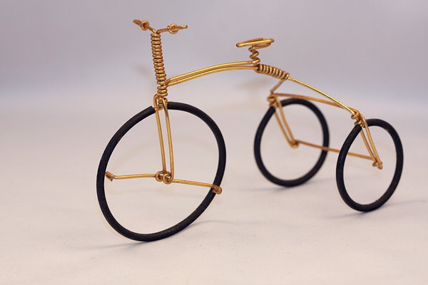Tricycle miniature 1