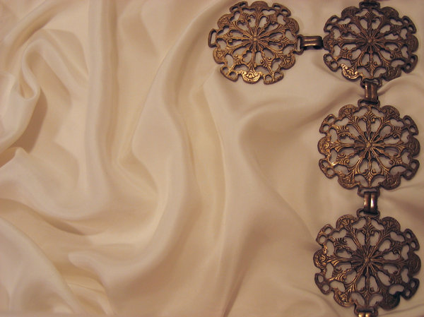silk texture metal ornaments 3