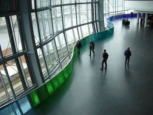 The Sage Gateshead 1: Designed by the architect Sir Norman Foster, The Sage Gateshead (http://www.thesagegatesh- ead.org/) is a music centre and concert venue opened in December 2004. It occupies a prime location on Gateshead Quays, close to the BALTIC art centre and Gateshead