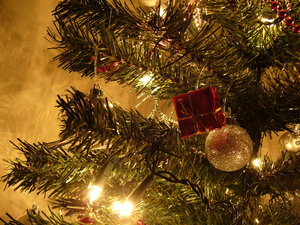 Graham's Christmas Tree 4: This year's Christmas tree, taking on board feedback about the photo of last year's tree and making sure I used a tripod and all the proper settings :) Enjoy!