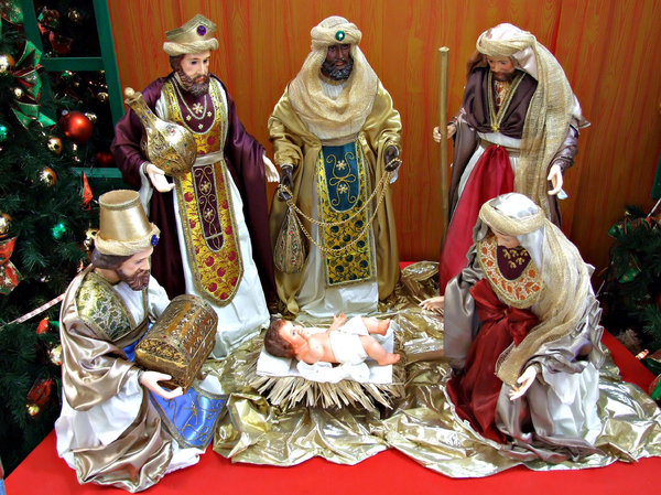 Christmas colours: miniature table top nativity scene and decorations