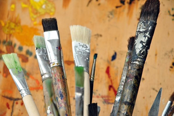 Brushes: Old brushes for painting.