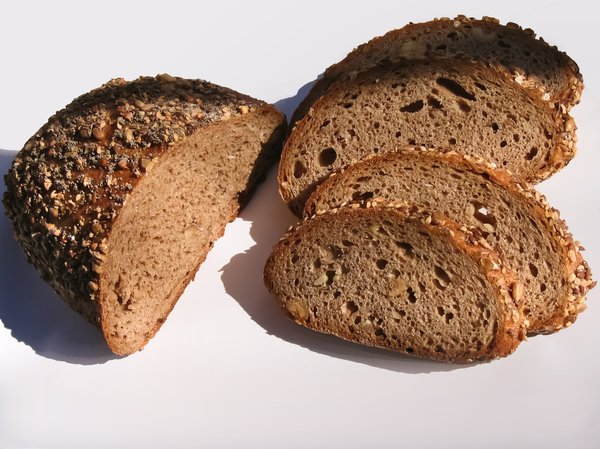 organic wholemeal bread: organic wholemeal bread
