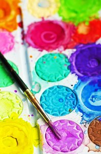 Paint palette: Watercolor paint palette and brush