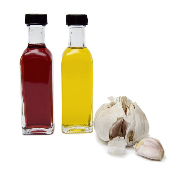 Oil, vinegar and garlic