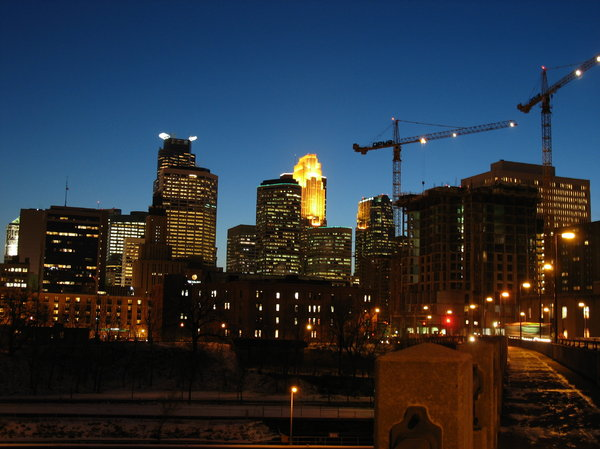 minneapolis skyline: minneapolis skyline at dusk.  photo taken from the 3rd ave bridge.