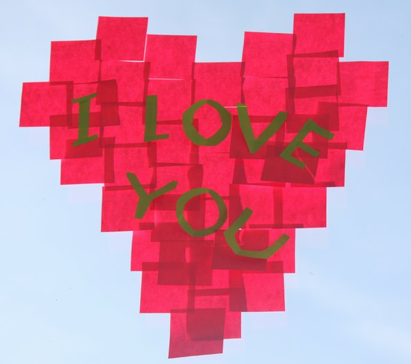 Post your love: Heart from Post-it sheets