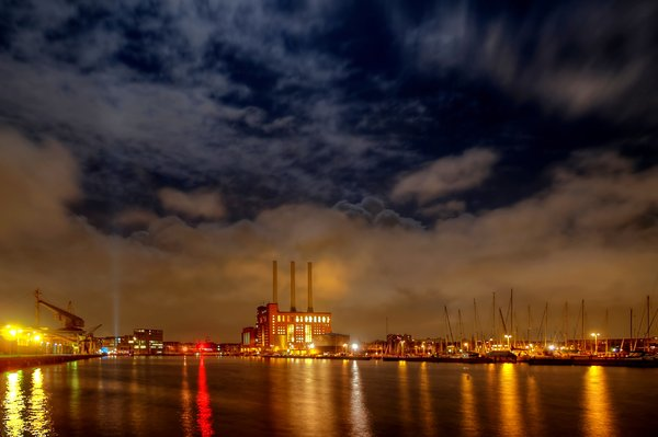 Harbour light - HDR